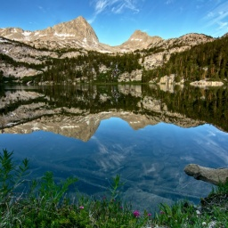 sierra nevada mountains wilderness honeymoon lake reflection