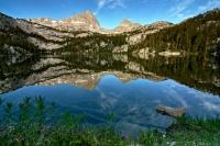 sierra nevada mountains wilderness honeymoon lake reflection