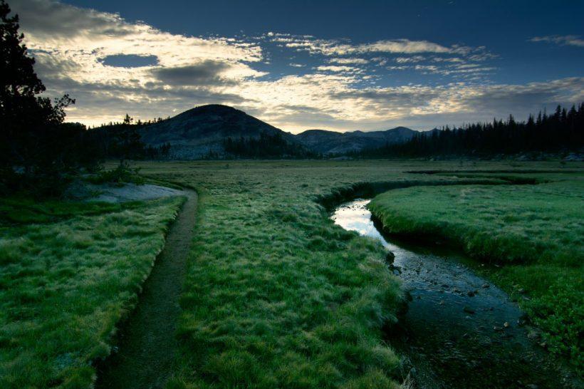 yosemite backpacking meadow sunrise