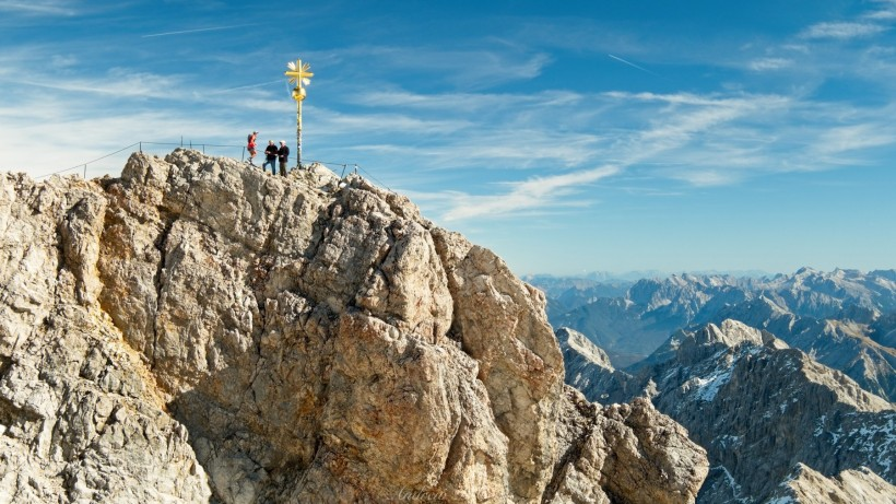 zugspitze summit cross