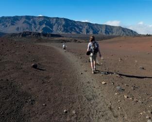 haleakala hiking desolation