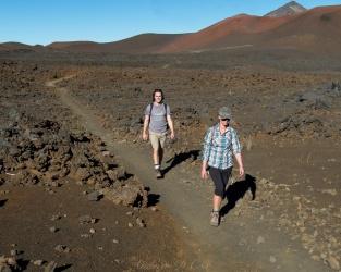 haleakala lava trail hiking